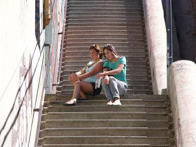 Chilean girls in Valparaiso