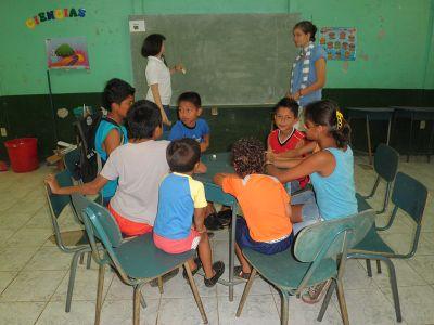 Teaching children in Costa Rica