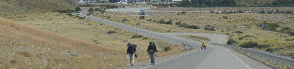 Argentinien El Chaltén Ortseingang Tramper