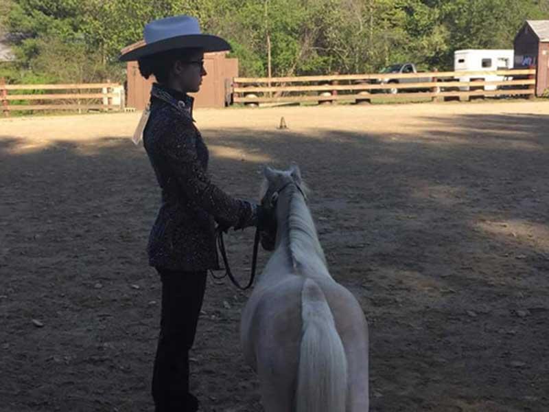 Cowgirl mit Minipony